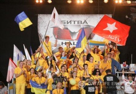 Кузьма Скрябин стал ведущим «Битвы наций» на ICTV. Фото+видео