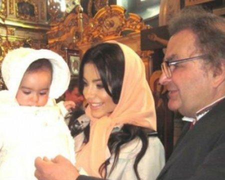 В Сети появились фото с крестин дочери Ани Лорак