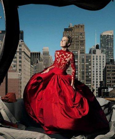 Ксения Собчак снялась в фотосессии для «Harper's Bazaar» в образе Тимошенко. Фото